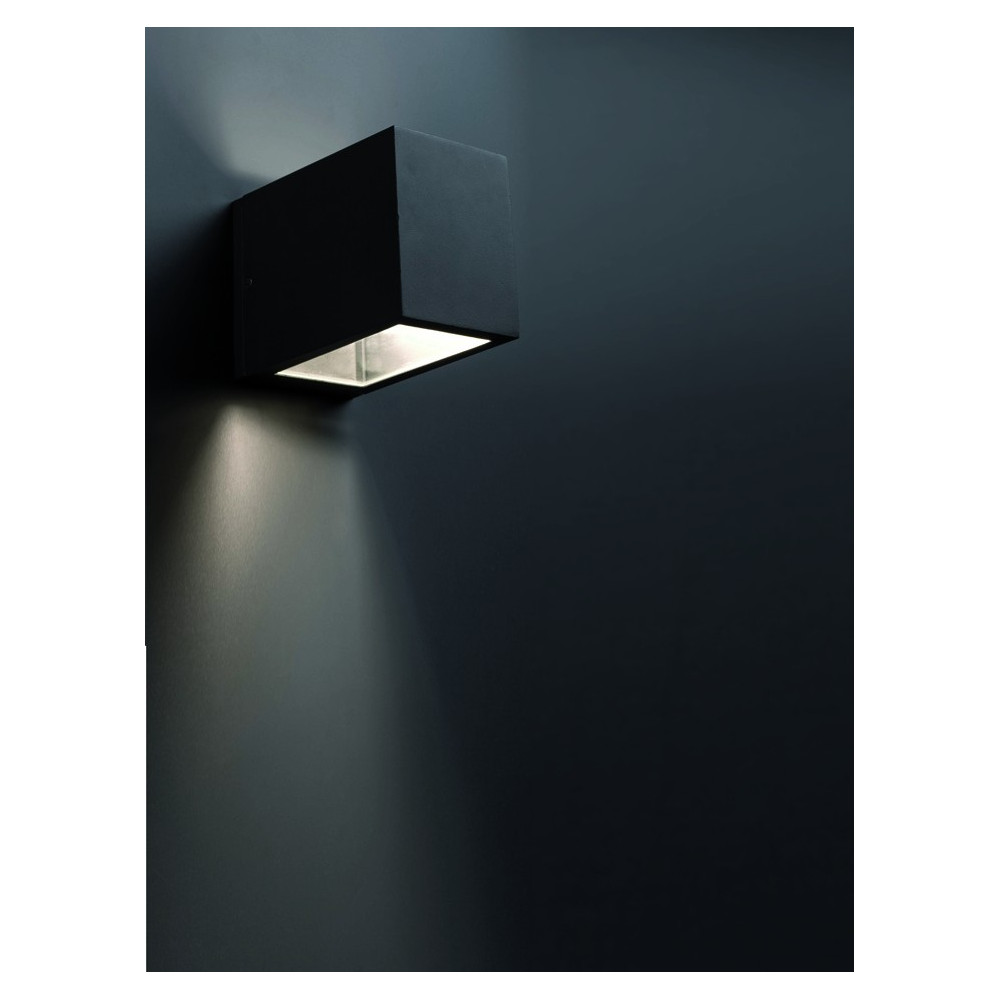 applique exterieur cube noire luminaire faro. Black Bedroom Furniture Sets. Home Design Ideas