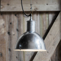 suspension industrielle cuisine extérieure