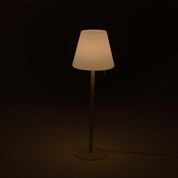 Lampe de terrasse grise moderne