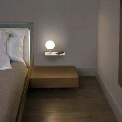 applique murale blanc et bois avec chargeur sans fil intégré