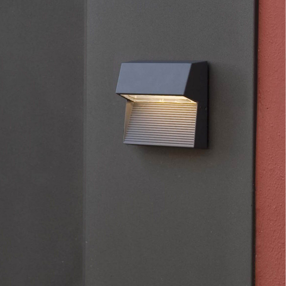 Lampe murale exterieur design led vente luminaire ext rieur for Lampe exterieur led design