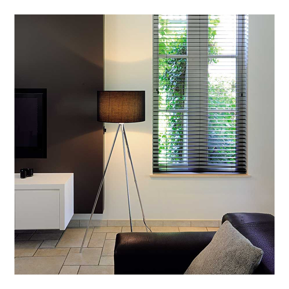 lampadaire avec tr pied chrom et abat jour noir luminaire de salon. Black Bedroom Furniture Sets. Home Design Ideas