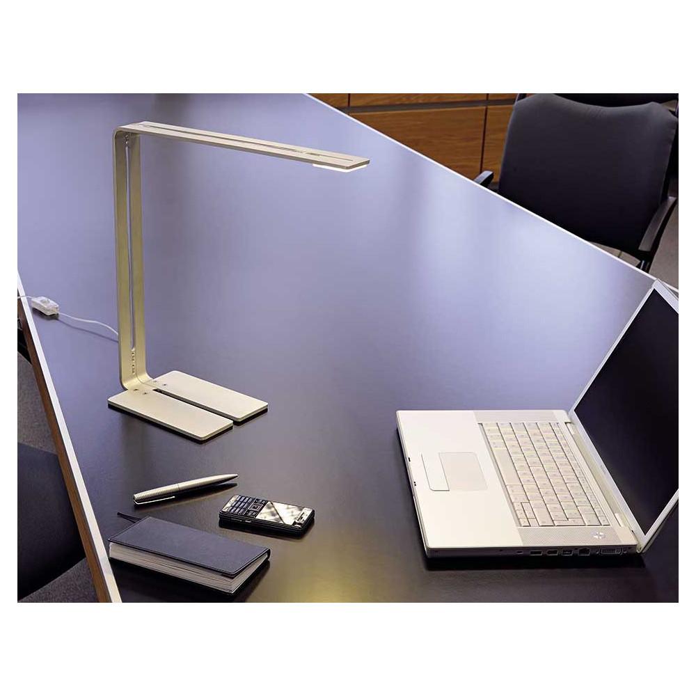 Lampe led de bureau au design moderne un luminaire d for Lampe exterieur moderne