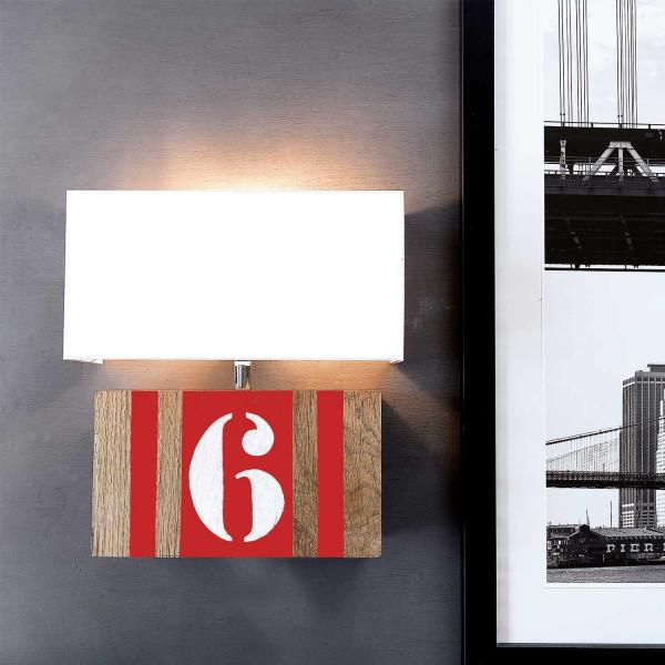 Applique en bois et bandes rouges L34