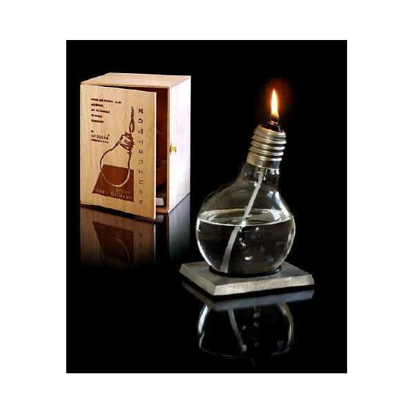 Lampe huile design sur socle en aluminium - Lampe a huile design ...