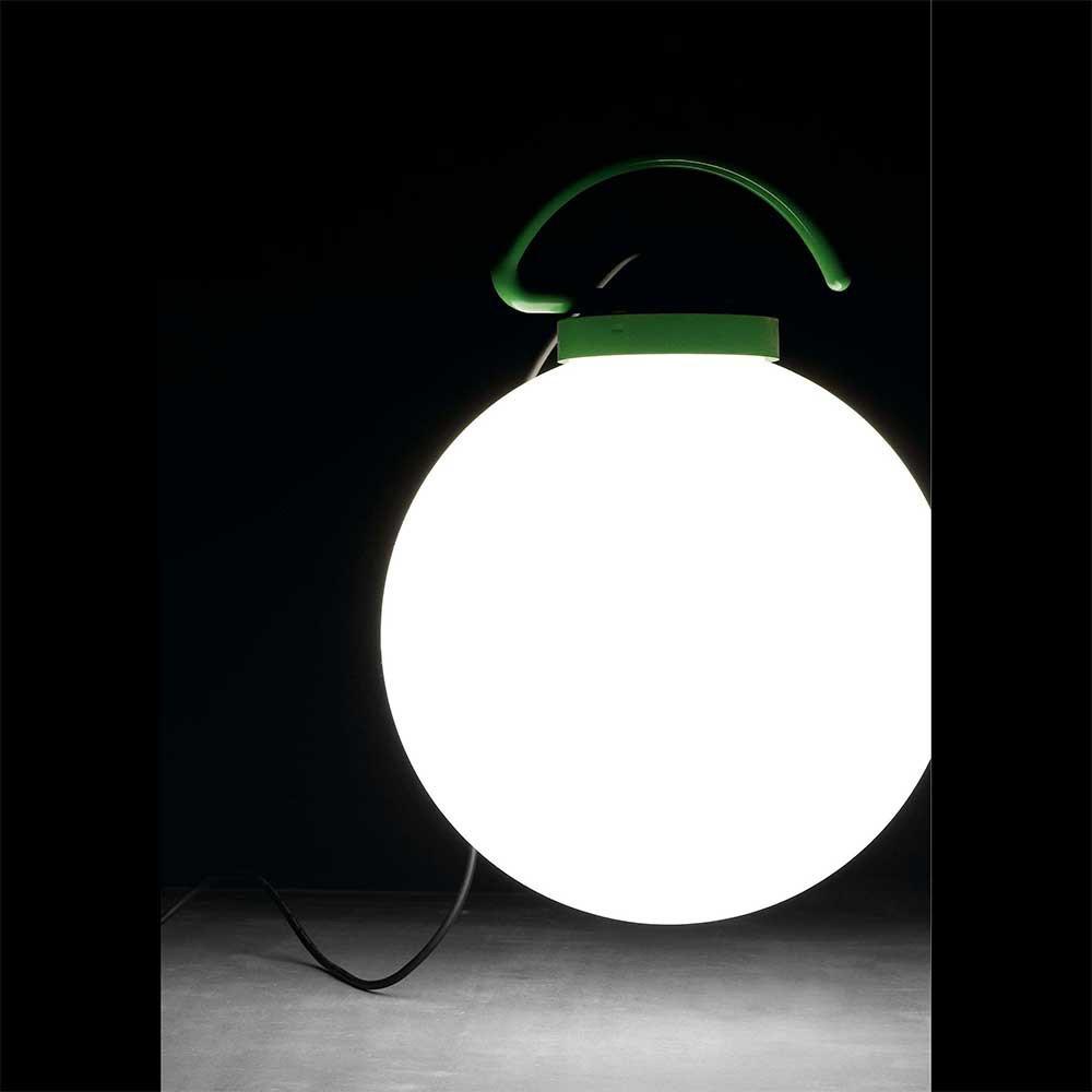 Lampe d 39 ext rieur suspendre blanche et verte lampe avenue for Lampe exterieur blanche