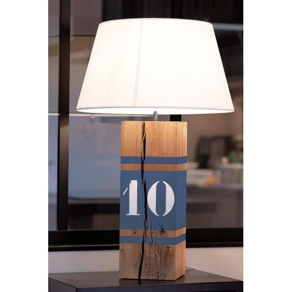 Lampe bleue en bois