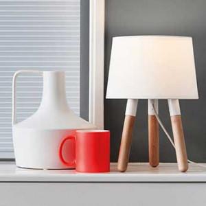 Lampe trépied bois blanc