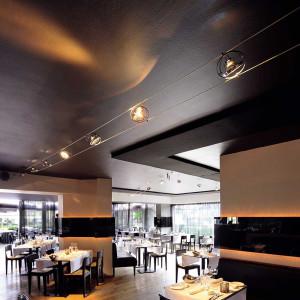 Eclairage restaurant câble tendu