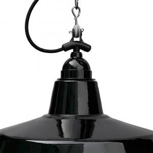 Suspension noire avec chaine