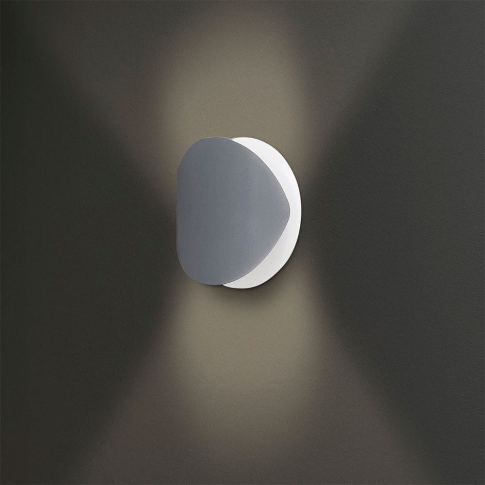 applique blanche design en m tal tr s d co lampe avenue. Black Bedroom Furniture Sets. Home Design Ideas