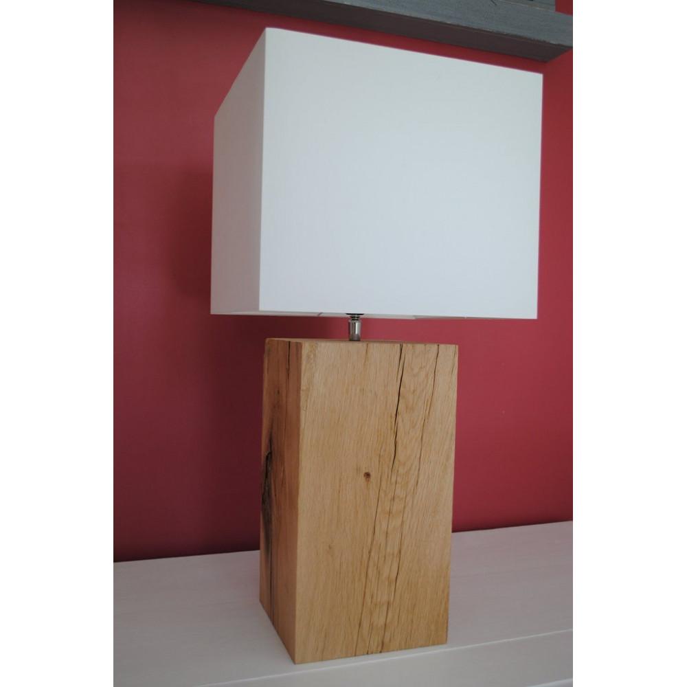 Lampe en ch ne brut avec un abat jour blanc - Pied de lampe en bois brut a peindre ...