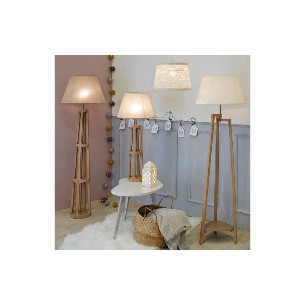 lampadaire tr pied classique en bois avec abat jour blanc. Black Bedroom Furniture Sets. Home Design Ideas