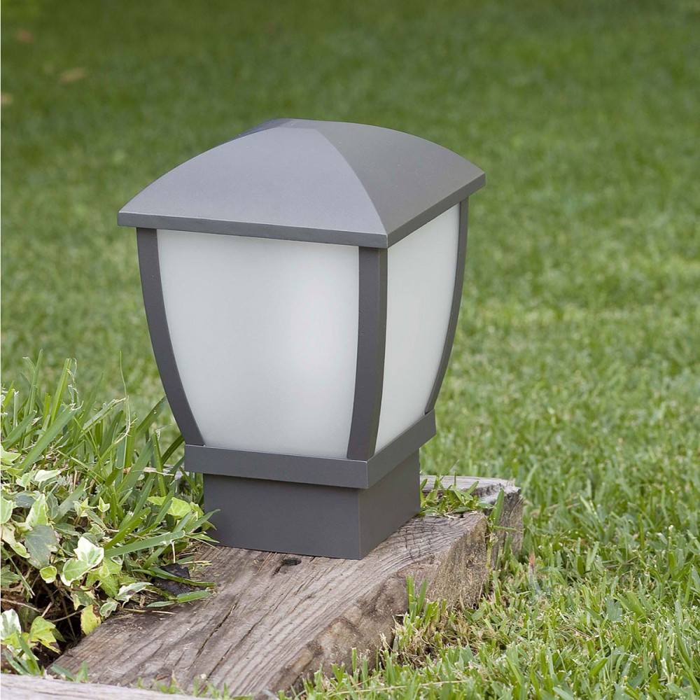 Borne lumineuse moderne pour jardin ou paring luminaire for Exterieur in french