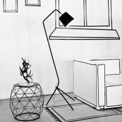 Lampadaire noir design et élégant