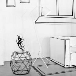 Lampadaire blanc mat au design élégant